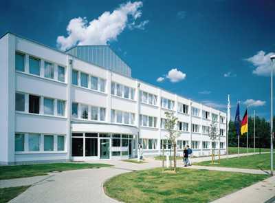 Verwaltungsgebäude am Firmensitz in Kempenich